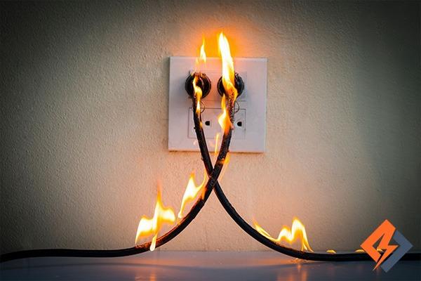 آتش گرفتن سیم برق